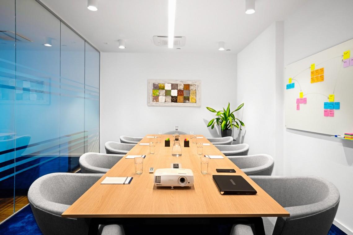 Modern eingerichtete Büroräume ab 2 Personen