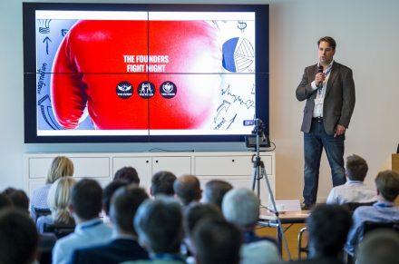 Jan C. Küster präsentierte den Gästen das Konzept von Best of X.