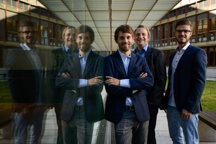 Bei den Jungunternehmern Philipp Benkler (l), Georg Handbauer (m) und Markus Steinhauser (r) steht der Service im Vordergrund. Dafür entwickeln sie auch mal auf Kundenwunsch ein neues Produkt