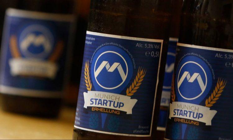 Munich Startup Gründerstammtisch Symbolbild mit Bierflaschen