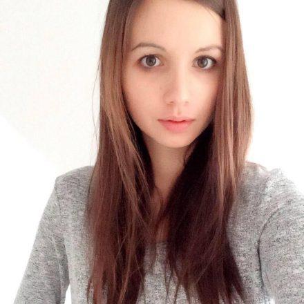 Alessandra 99designs