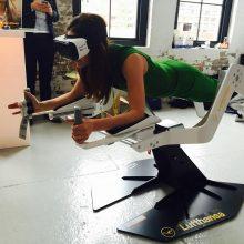 Große Firmen wie die Lufthansa nutzen das Fitness-Gerät, um auf der VR-Welle mitzuschwimmen. (Foto: ICAROS)