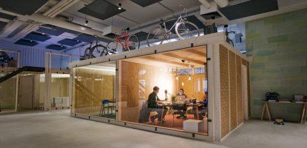 Ein Meetingraum im Impact Hub (© Impact Hub)