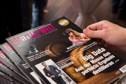 Die Erstausgabe des Magazins Digitale Welt. Foto: Stephan Goerlich / FMG