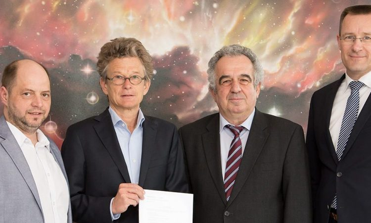 Freuen sich auf die Partnerschaft zwischen OHB und astrofactum Christian Wiederer (COO) und Heiko Wilkens (CEO) von astrofactum sowie OHB SE Vorstand Dr. Fritz Merkle und Marcus Schneider, General Counsel der OHB SE