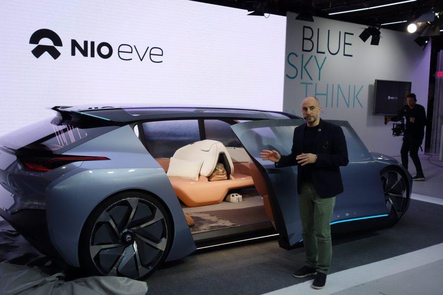 NIO-Designchef Kris Tomasson präsentiert den Eve. (Foto: Munich Startup)