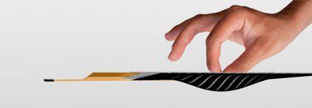 Wie flexibel und elastisch die Sensoren sich verformen lassen, ist beeindruckend (Quelle: tacterion)
