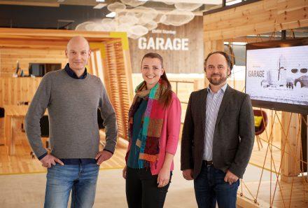 Das Team der BMW Startup Garage: Gregor Gimmy, Ana Carolina Alex und Matthias Meyer. (v.l., Foto: BMW)