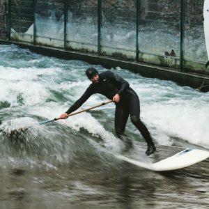 Tripstix Surfboard auf dem Eisbach