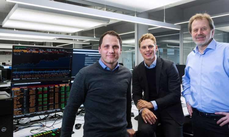 Das Gründerteam von Scalable Capital: Florian Prucker, Erik Podzuweit und Prof. Dr. Stefan Mittnik (v.l., Foto: Scalable Capital)
