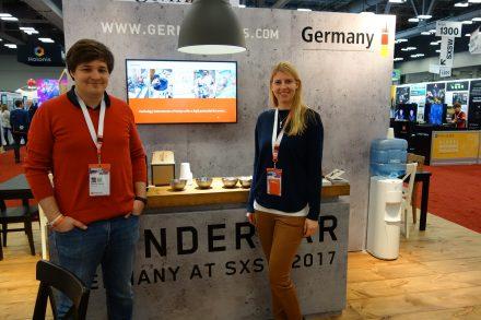 Das Gründerpaar von Inveox auf der SXSW im März 2017: Dominik Sievert und Maria Driesel, Foto: Munich Startup