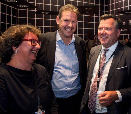 Claudia Boymanns, Wolfgang Moderegger und Münchens Wirtschaftsbürgermeister Josef Schmid auf der Expo Real. (Foto: Andreas Heddergott - LH München)