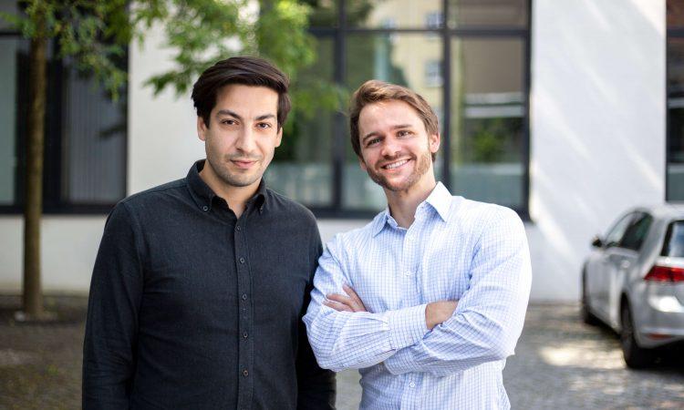 Die Gründer und Geschäftsführer von abracar, Orhan Köroglu und Sebastian Jost (v.l.). Foto: Abracar