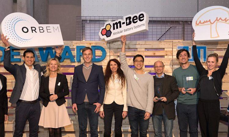 Die Siegerteams beim TUM IdeAward 2018: ORBEM, m-Bee und Woodchicken. (© Uli Benz / TU Muenchen)