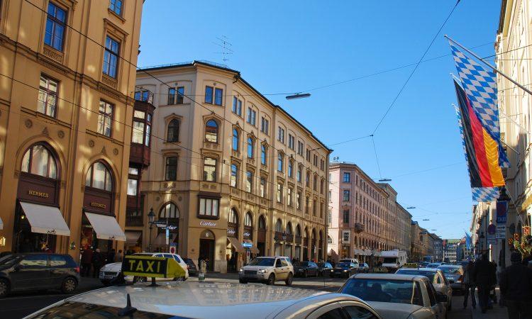 Die Pariser Investmentfirma Kurma Partners eröffnet ein Büro in der Maximilianstraße. (Foto: L. Gervasi - LH München)