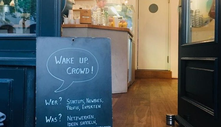Wake up, Crowd! Startups – Network – Crowdfunding