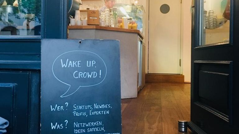 Wake up, Crowd! Startups – Network – Crowdfunding