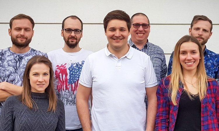 Das Inveox-Team in Krakau (Polen) mit Gründer Dominik Sievert (mitte). (Foto: Inveox)