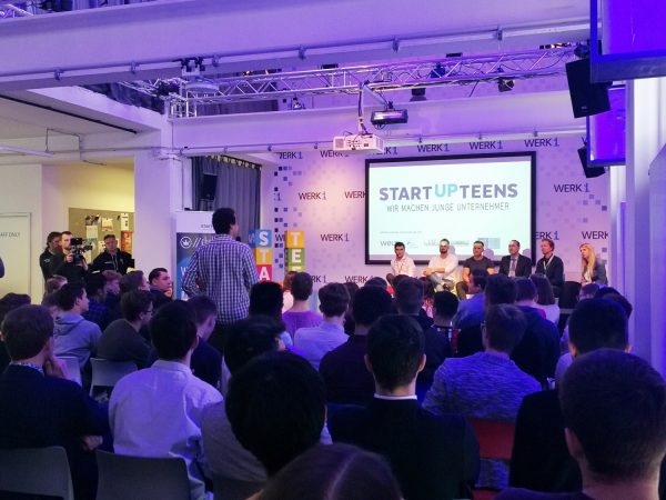 Hubert Aiwanger bei Startup-Tenns