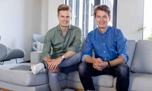 Die Holidu-Gründer Michael und Johannes Siebers (v.l.)