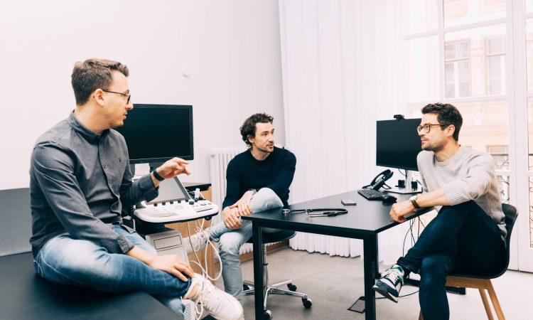 Vlad Lata, Julian Kley und Christoph Baumeister (v.l.), die Gründer von Avi Medical