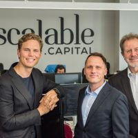 Scalable Capital gibt Kooperation mit Raisin bekannt